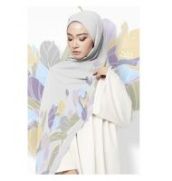 LE AMINAA SHAWL IN ICE QUEEN SILVER